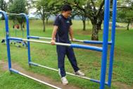 ベンチや階段、手すりを使った健康づくり